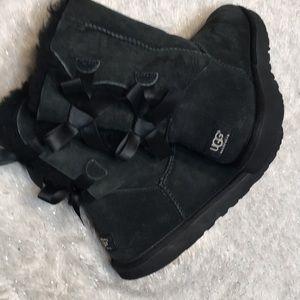 UGG Shoes - UGG Bailey Boot Bow black. Sz US 8. EU 39